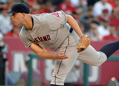 Aside from yielding five walks, Justin Masterson pitches 6 2/3 strong innings en route to his 14th win. (USATSI)