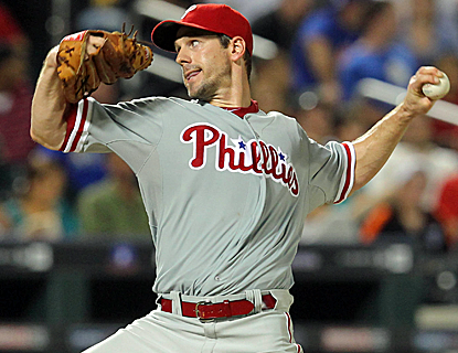 Cliff Lee allows just one run in eight innings of work to earn his first win in his last seven starts.  (USATSI)