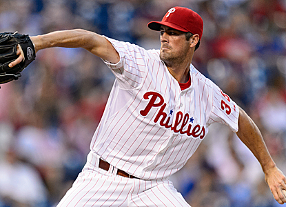 Cole Hamels ends up with a no-decision after striking out eight in seven solid innings of work.  (USATSI)