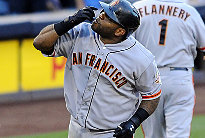 Pablo Sandoval hits three of the Giants' six home runs and drives in six to help San Francisco avert a sweep. (USATSI)