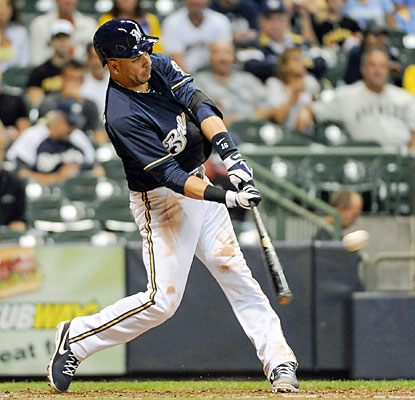 Aramis Ramirez contributes with three runs and two RBI in the Brewers' winning effort. (USATSI)