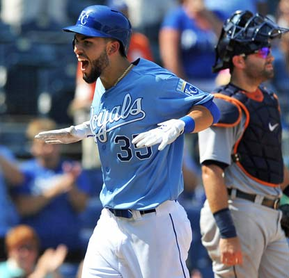 Eric Hosmer smacks a three-run homer as one of his three hits of the day for Kansas City.  (USATSI)