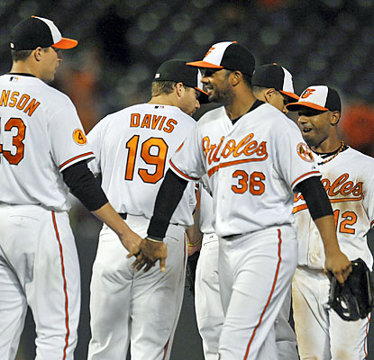 The Orioles get past the Yankees and move within 1 1/2 games for second place in the AL wild-card race. (USATSI)