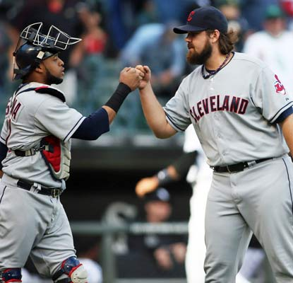 The Indians continue their dominance over the White Sox and put some pressure on their wild-card opponents.  (USATSI)