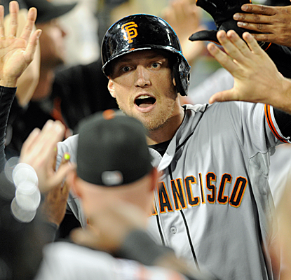 Hunter Pence has a night to remember, driving in seven runs as the Giants score 19 runs on the Dodgers.  (USATSI)