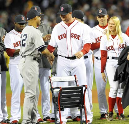 The Red Sox honor Mariano Rivera with a pregame ceremony in his last scheduled trip to Fenway Park.  (USATSI)