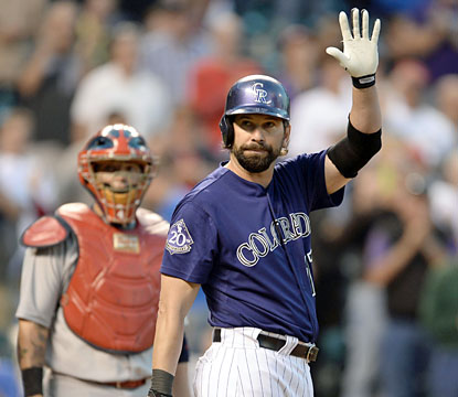 Rockies vet Todd Helton acknowledges the crowd as he begins his final homestand in Denver. (USATSI)