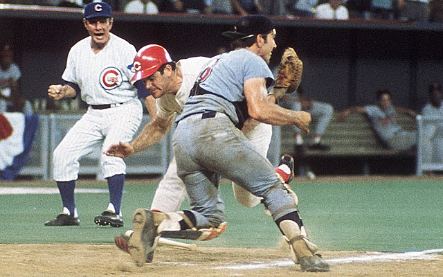 It's not surprising that Pete Rose would defend baserunners barreling through catchers. (Getty)