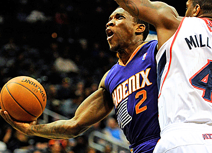 Eric Bledsoe scores 20 points, and the Suns win their fourth in a row to remain tied for the No. 8 seed.