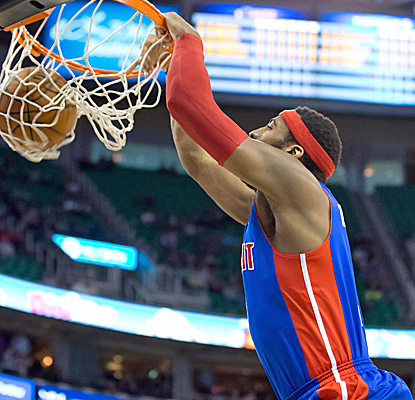Andre Drummond posts 19 points and 14 boards to help the Pistons end their 14-game losing streak.