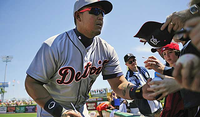 Miguel Cabrera may be willing to take less cash to remain in Detroit. (USATSI)