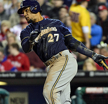 Carlos Gomez picks up three hits to help the Brewers past the Phils for their sixth straight win.  (USATSI)