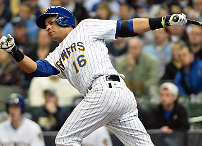 Aramis Ramirez plates a run with a single, helping the Brewers win their ninth consecutive game.  (USATSI)
