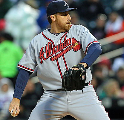 Aaron Harang throws seven no-hit innings, but the Atlanta bullpen is unable to finish the job.  (USATSI)