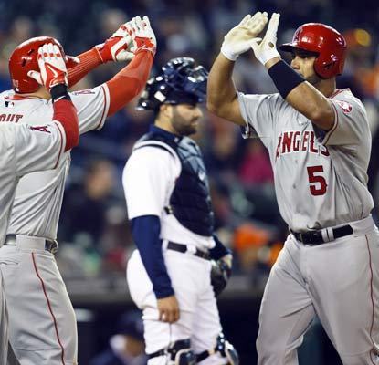 Albert Pujols closes in on 500 homers as the Angels win their 10th straight over the Tigers.  (USATSI)