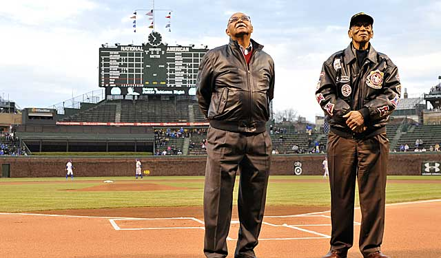 Ernie Banks (right) and Billy Williams have played the most career games at Wrigley. (Getty Images)