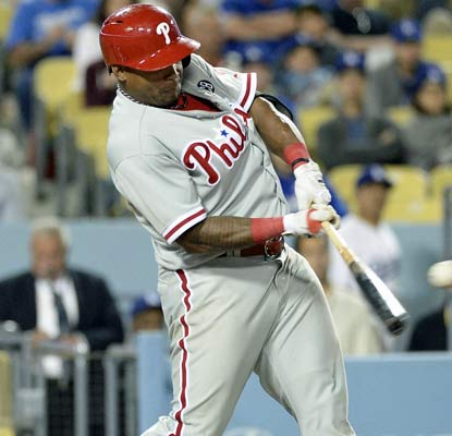 Marlon Byrd drives in four runs and the Phillies score four in the ninth to beat the Dodgers.  (USATSI)