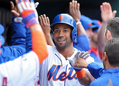 Chris Young comes through with a two-run blast to help the Mets take down the Marlins in the series finale. (USATSI)