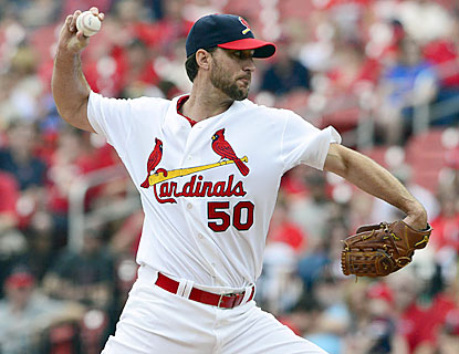 Adam Wainwright throws eight shutout frames, extending his streak to 25 innings without yielding a run. (USATSI)