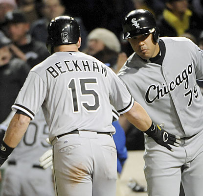 Gordon Beckham finishes with four hits, including a tiebreaking home run in the eighth inning off Neil Ramirez. (USATSI)