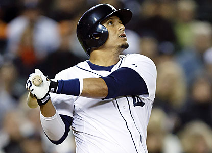 Tigers DH Victor Martinez goes yard in the sixth inning to extend his hitting streak to 10 games. (USATSI)