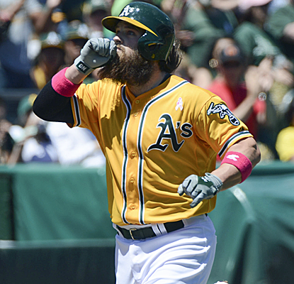 Derek Norris connects for a pair of home runs, one on a 3-0 count, as the A's finish off the sweep. (USATSI)
