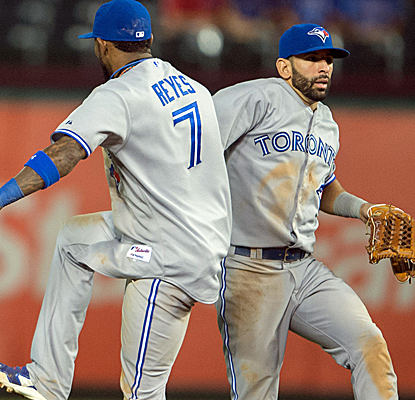 Jose Reyes hits a key double as the Blue Jays send the Rangers to a season-high fourth straight loss.  (USATSI)