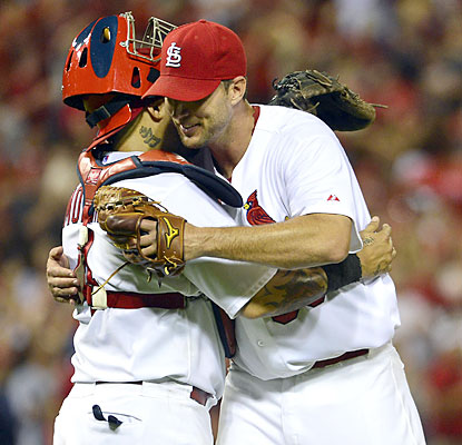 Cards ace Adam Wainwright dominates the D-Backs as he finishes with nine strikeouts in nine shutout frames. (USATSI)
