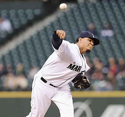In control until the ninth, Felix Hernandez comes within one out of his 10th career shutout.  (USATSI)