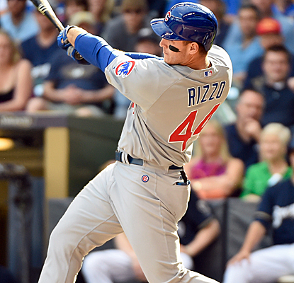 Anthony Rizzo connects for a pair of two-run homers to help lift the Cubs past the Brewers.  (USATSI)