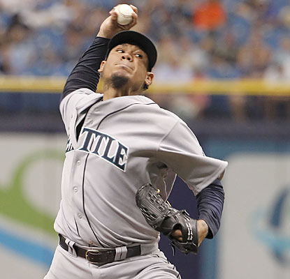 King Felix strikes out a career-high 15 batters in seven shutout innings, yet comes away with a no-decision. (USATSI)
