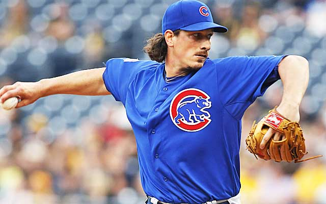Jeff Samardzija and the Cubs remain uncomfortably apart.    (USATSI)