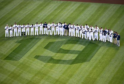 With heavy hearts, the Padres honor Tony Gwynn before pulling out a come-from-behind victory in San Diego.  (Getty Images)