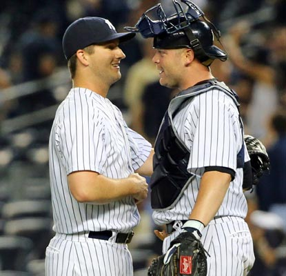 Adam Warren closes out the win as the Yankees get within 1 1/2 games of the first-place Blue Jays.  (USATSI)