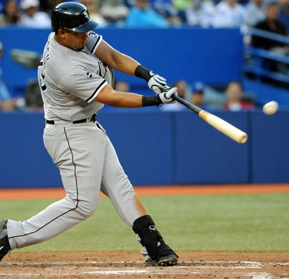 Jose Abreu hits two more home runs and is on pace to beat Mark McGwire's single-season rookie mark of 49.  (USATSI)