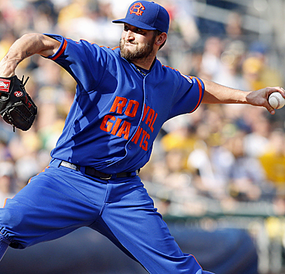 Jonathon Niese goes six innings for his 20th straight start without allowing more than three runs. (USATSI)