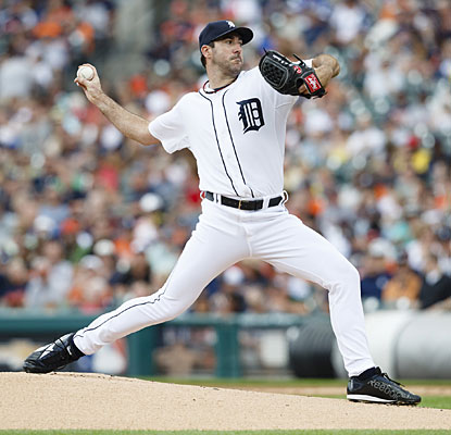 Justin Verlander settles down after a rough first inning to earn his first victory in over a month.  (USATSI)