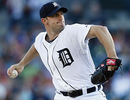 Max Scherzer has little issue against the Rays. Detroit's ace yields just two hits in eight dominant innings. (USATSI)