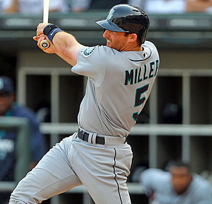 Brad Miller connects for the game-winning double in the 14th inning as the Mariners edge the White Sox. (USATSI)