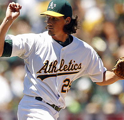 Jeff Samardzija impresses in his Oakland debut, drawing standing ovations after allowing just four hits. (USATSI)