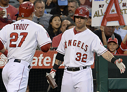 Mike Trout and the Angels extend their home winning streak to 11 games by beating the Blue Jays.  (USATSI)