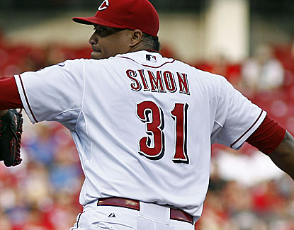 Reliever-turned-starter Alfredo Simon gives up four hits in 6 2/3 innings against the Cubs. (USATSI)