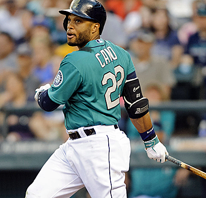 Robinson Cano delivers the go-ahead double as the Mariners edge Jeff Samardzija and the A's.  (USATSI)