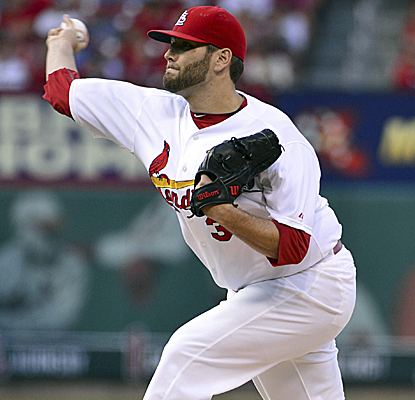 Lance Lynn picks up right where he left off before the All-Star break, winning his third straight start.  (USATSI)