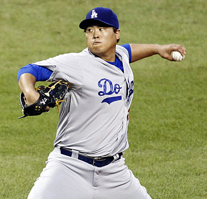 Left-hander Hyun-Jin Ryu becomes the third Dodgers pitcher to reach 11 wins on the season. (USATSI)