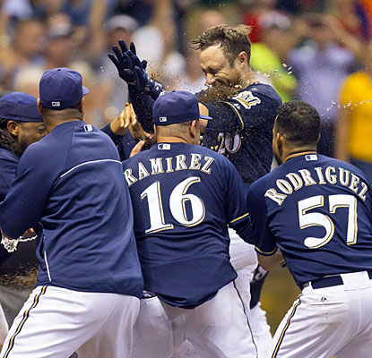 Jonathan Lucroy provides a pair of blasts for the Brewers, including a game-winning homer in the ninth. (USATSI)