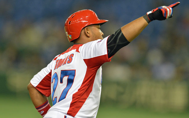 Free agent outfielder Yasmany Tomas will be fielding offers from several teams this offseason. (USATSI)