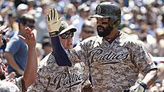 Padres top Dodgers