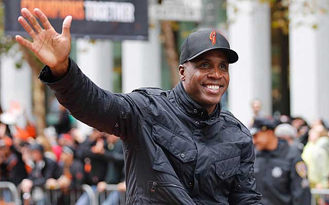 Barry Bonds lost his collusion case against MLB owners. (USATSI)