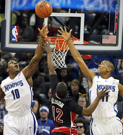 Rashad Allison (12) and Arkansas State face a tall order in trying to win at Memphis -- and nearly succeed.  (AP)